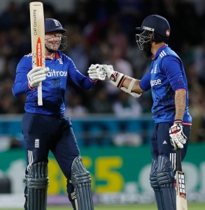 Britain Cricket - England v Pakistan - Fourth One Day International - Headingley - 1/9/16 England's Jonny Bairstow celebrates his fifty with Moeen Ali Action Images via Reuters / Lee Smith Livepic EDITORIAL USE ONLY. - RTX2NTON